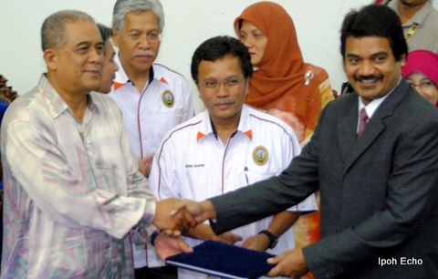 Majlis Amanah Rakyat (MARA) will sponsor students who are offered places in