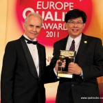 David Yam receiving the BID International Arch of Europe Award from President and CEO Jose E. Prieto, Frankfurt June 27