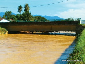 ipoh echo issue 139, Sungai Pari floods 2012